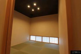 日式装修小户型客厅榻榻米效果图