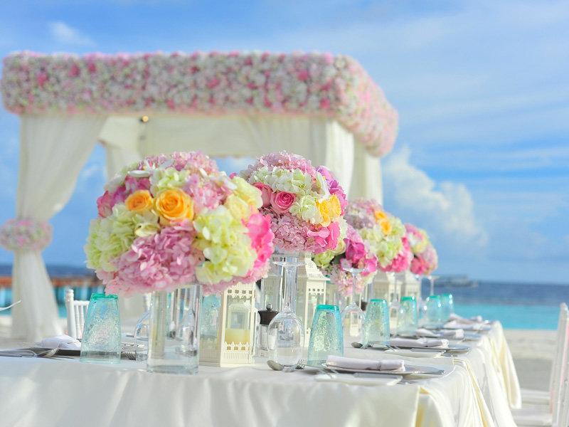 婚礼策划 灯光音响租赁 场地布置 鲜花布置
