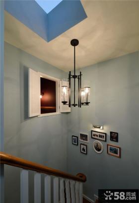 欧式别墅楼梯间吊灯效果图