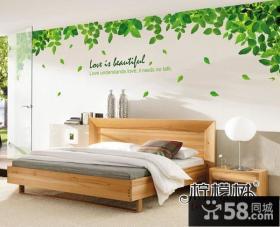 清新卧室背景墙装修效果图