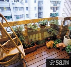 客厅带生活阳台装潢图