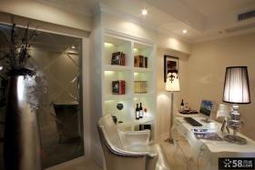 欧式风格两室两厅客厅电视背景墙装修效果图