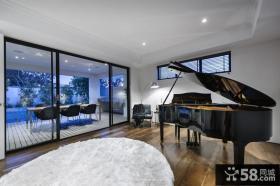 现代家庭设计餐厅阳台效果图