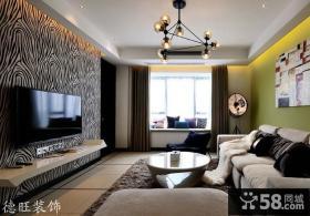 现代简约风格客厅影视墙装修样板间