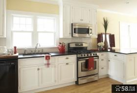 以美式为主体风格的混搭厨房装修效果图