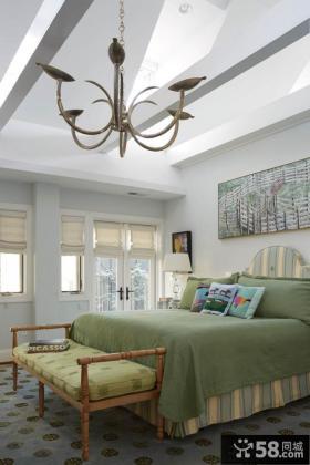 现代风格卧室床摆放效果图