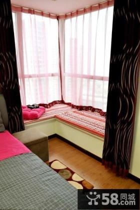 卧室转角飘窗图片欣赏