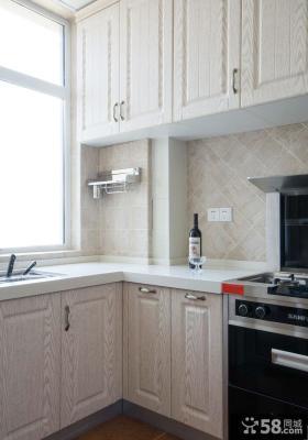美式复古别墅厨房设计效果图片