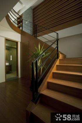 别墅室内实木楼梯图片