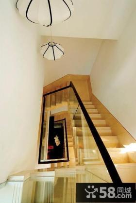 现代风格别墅楼梯装饰设计效果图