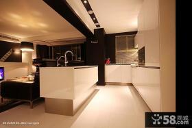 现代风格家庭客厅装修设计图