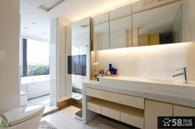 现代风格卫生间隔离浴室装修效果图