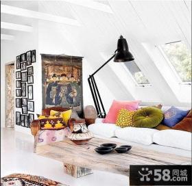 复式斜顶阁楼小卧室设计效果图