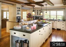 美式别墅厨房整体橱柜设计