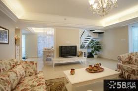 欧式田园风格复式楼客厅电视墙装修效果图