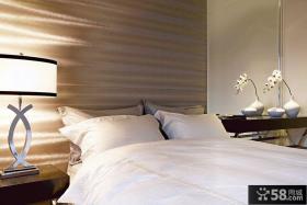现代风格设计卧室床头灯具图片