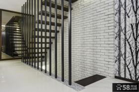 小复式楼梯间设计效果图