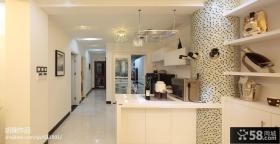 现代风格厨房带吧台装修图片
