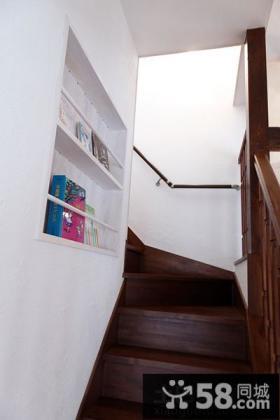 日式复式家居楼梯图片