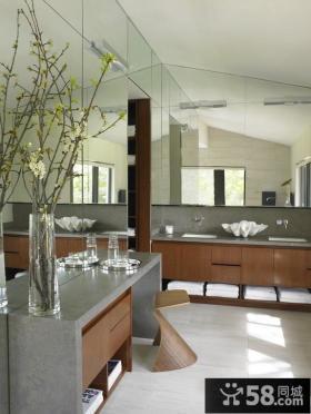 现代美式风格卫生间装修图