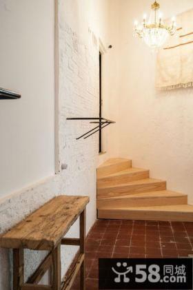 简约自然别墅室内楼梯装饰图片