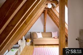 复式斜顶阁楼小客厅装修效果图