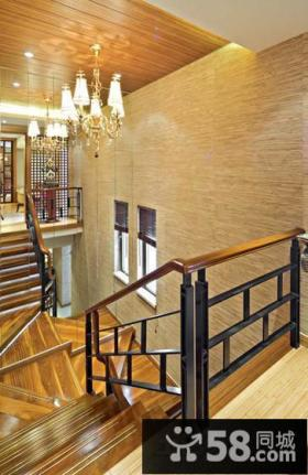 别墅实木楼梯间设计