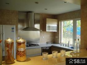 现代风格小户型厨房不锈钢油烟机装修效果图