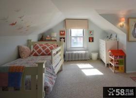 阁楼儿童房间布置图片