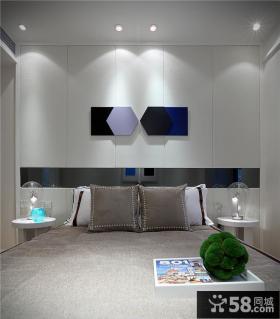 现代风格家庭卧室装修图片