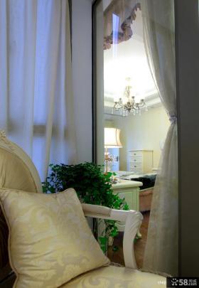 2013卧室阳台休闲椅子窗帘装修效果图片