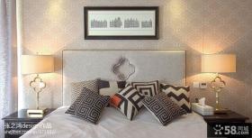 主卧室床头壁纸图片