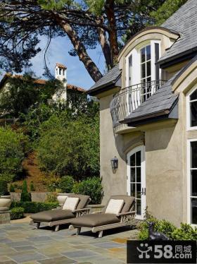 别墅室外露天阳台装修实景图