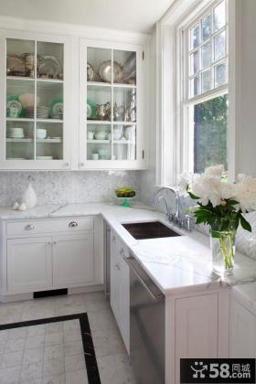 小户型白色厨房设计效果图