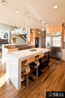 复式楼厨房装修效果图