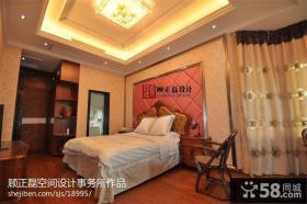 欧式风格卧室软包皮背景墙设计效果图