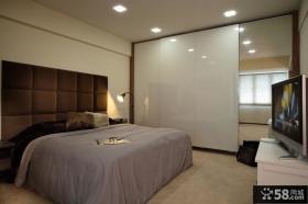 现代卧室衣柜装修效果图