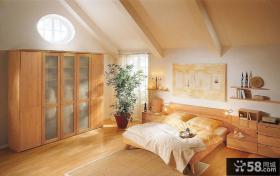 简单卧室整体衣柜装修效果图
