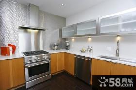 简欧时尚的复式楼厨房橱柜装修效果图大全