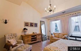 经典风格美式卧室家具布置图片