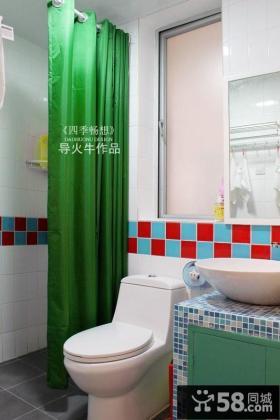 复式地中海卫生间瓷砖装修效果图 绿色窗帘效果图