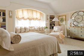 简约主卧室飘窗装饰设计效果图