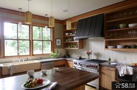 半开放式厨房装修设计