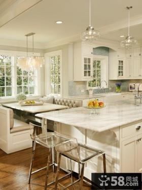 开放式的厨房与餐厅的设计