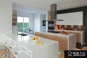 现代装修风格别墅厨房设计效果图