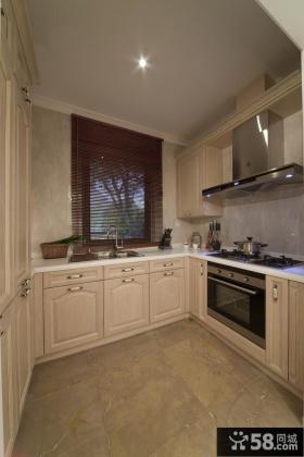 厨房U型实木橱柜效果图