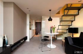现代简约风格复式楼客厅美步楼梯效果图