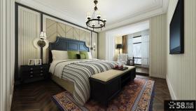带阳台卧室床头软包背景墙装修效果图