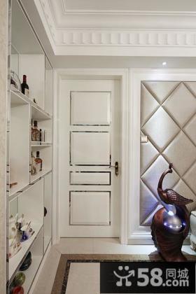 白色欧式卧室门装修效果图