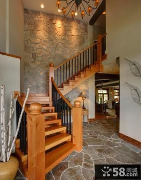 室内木楼梯图片欣赏